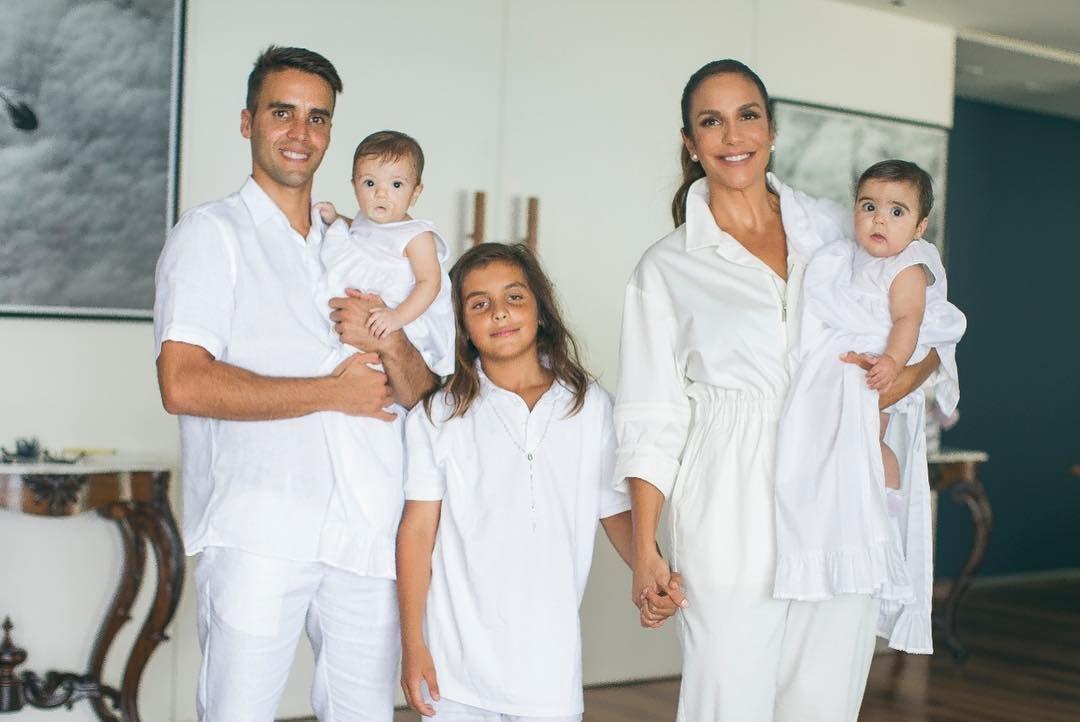 40872868 690751431284984 8842626070862010347 n.jpg?resize=636,358 - Linda celebração marca o batizado das gêmeas de Ivete Sangalo