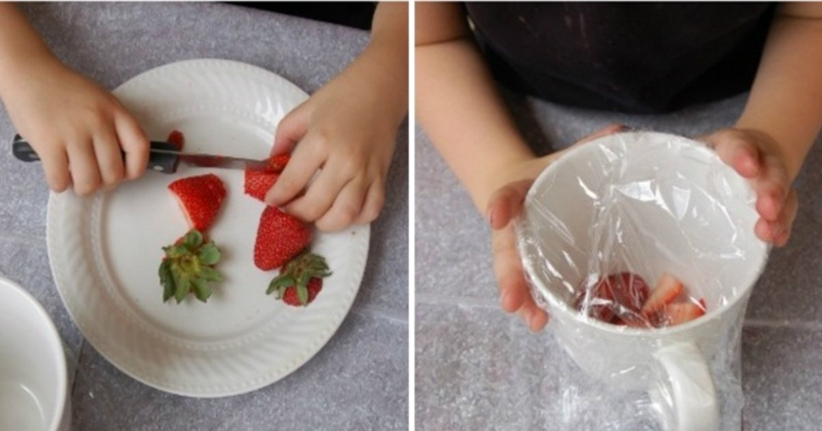 6 114.jpg?resize=1200,630 - 14 completely unexpected uses for plastic food wrap