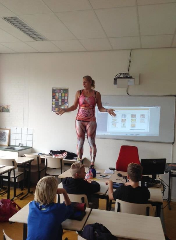 This Biology Teacher Has Her Own Way Of Teaching About The Human Body At School