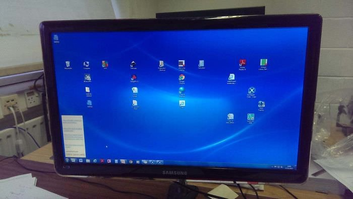 My Boss Is A 60+ Year Old Man And This Is His Desktop