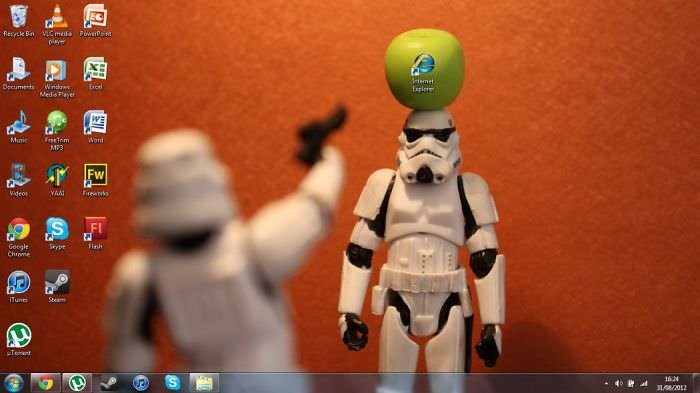 50 Hilariously Genius Desktop Wallpapers That Will Make You Laugh Small Joys