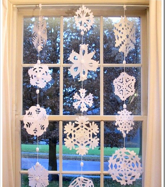 paper-snowflakes-garland