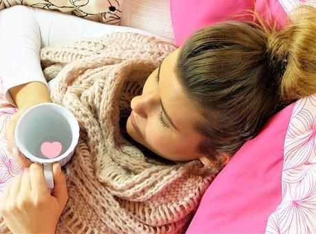 젊은 여자, 소녀, 우려, 휴식, 베개, 핑크, 컵, 심장, 나쁘게