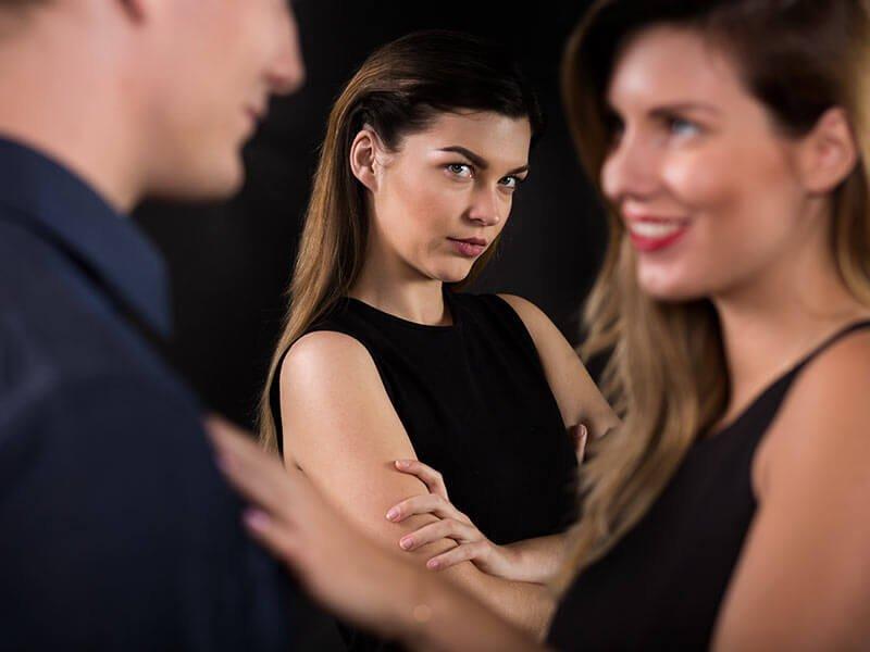 characteristics of excessive jealousy in a relationship.jpg?resize=412,232 - 7 características típicas de pessoas tóxicas