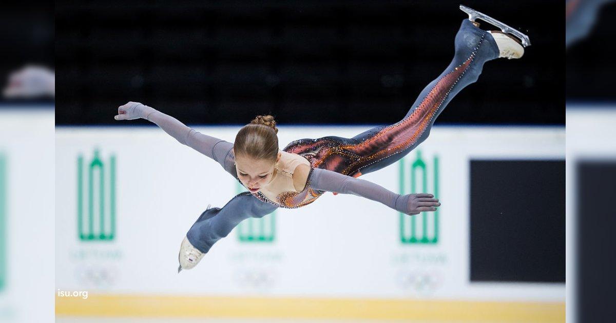 cover22 28.png?resize=648,365 - A patinadora de 14 anos, Alexandra Trusova, estabeleceu um recorde com um salto nunca antes visto