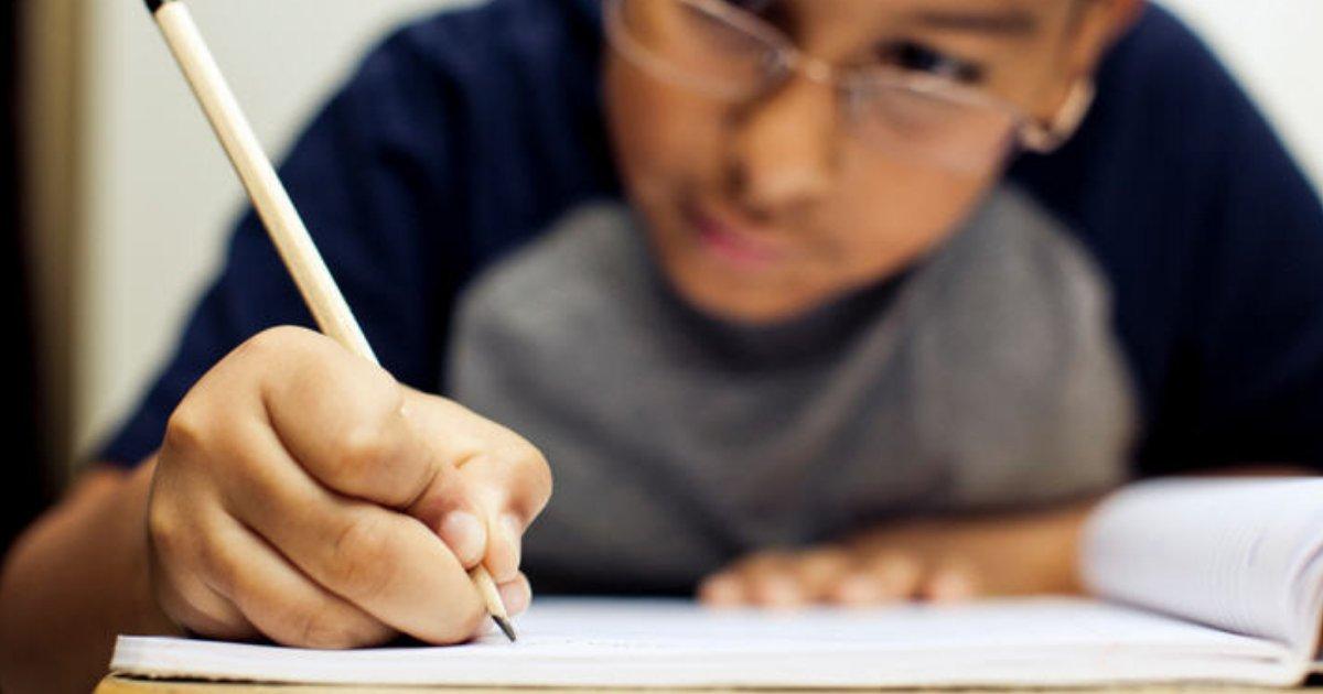 estud.png?resize=636,358 - Mais da metade dos alunos de 14 a 17 anos não sabe Português e Matemática