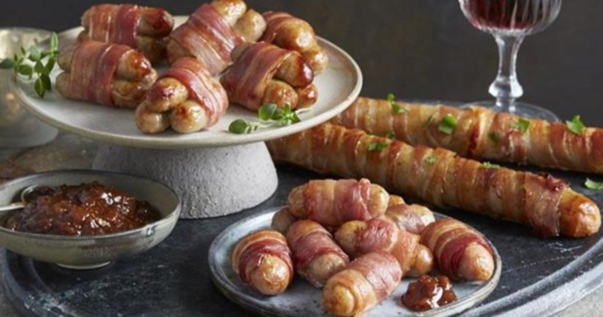 featured image 67.jpg?resize=636,358 - Aldi Is Launching Foot-Long Pigs In Blankets This Christmas For Just £3 – And The Internet Can't Be Happier