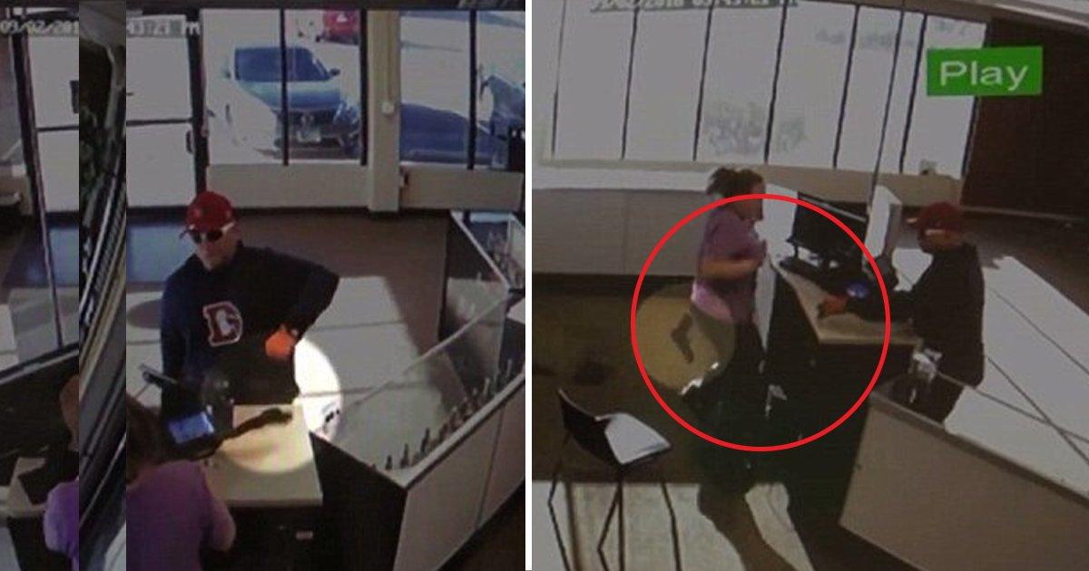 hea.jpg?resize=1200,630 - Le voleur le plus maladroit au monde: un voleur perd son arme dans une tentative de vol