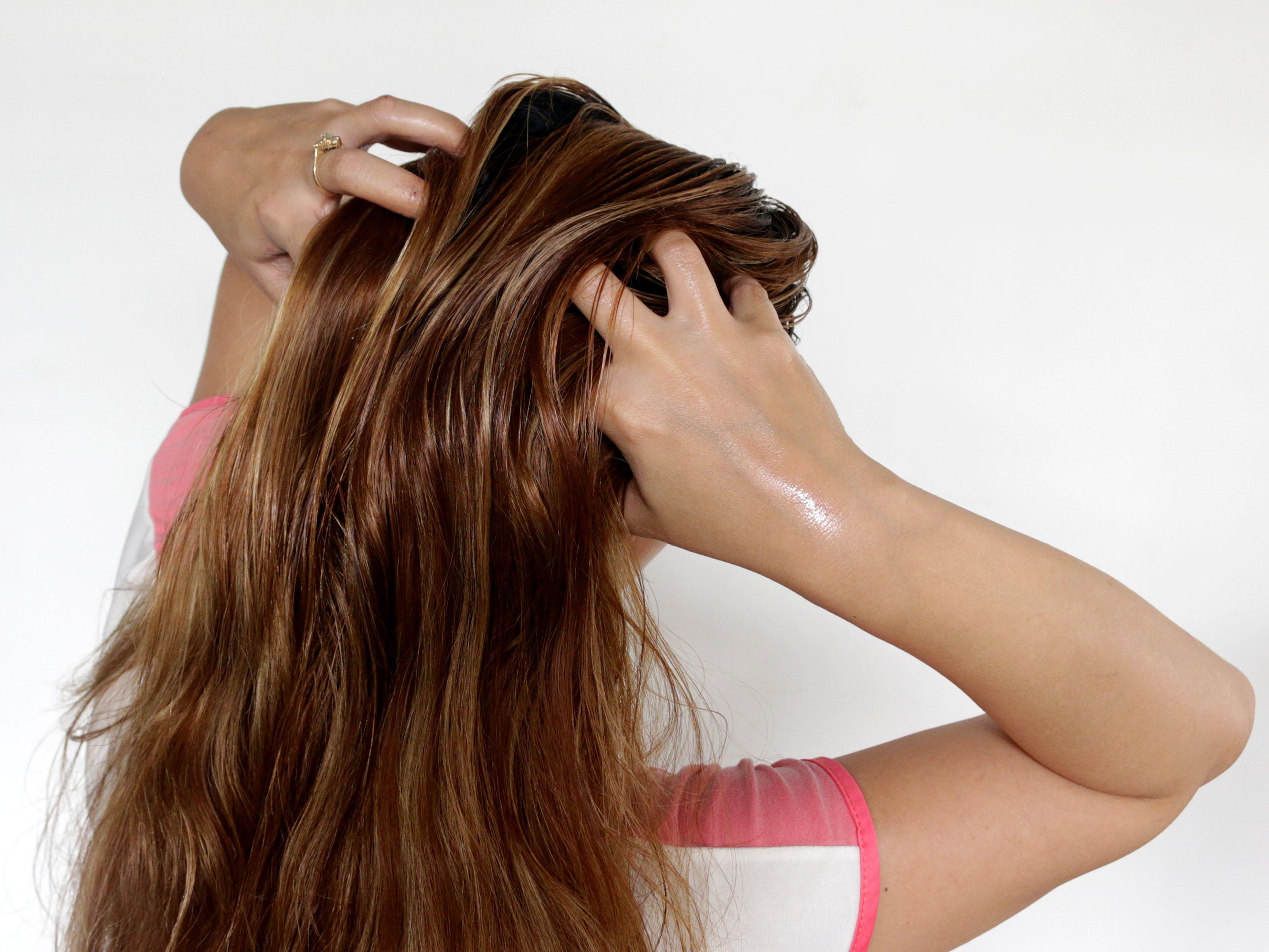 hair oil massage에 대한 이미지 검색결과