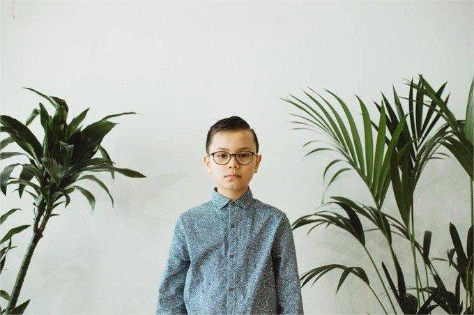 image 1024 1024 7304595.jpg?resize=636,358 - Revanche d'un petit anglais de 11 ans qui devient mannequin pour H&M en dépit de son autisme
