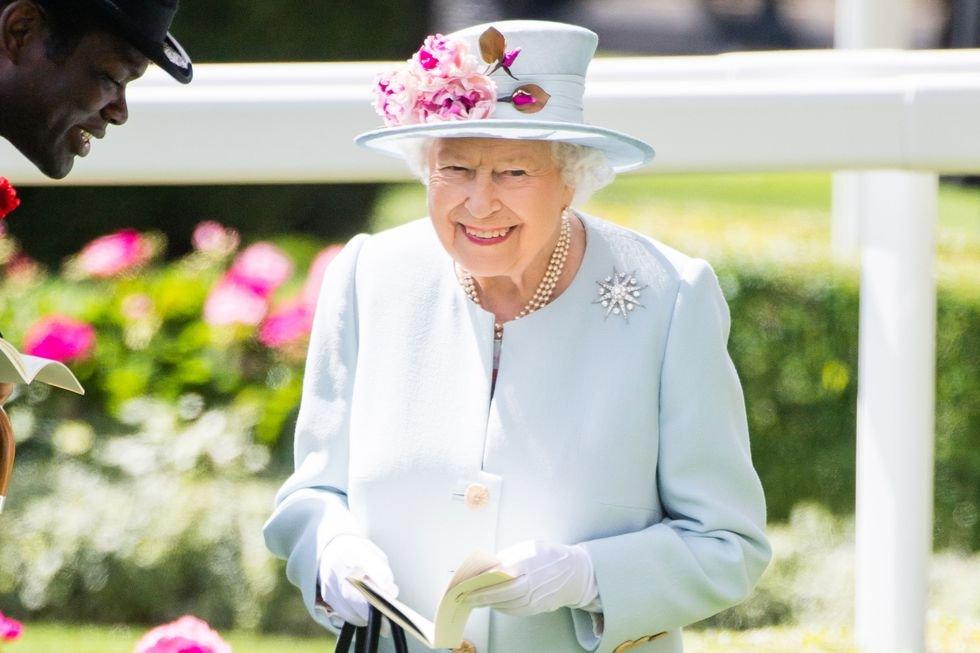 img 5b8d9e8c51ad8 1.png?resize=648,365 - 月薪65K、住白金漢宮!英國女王徵人替凱特王妃和皇室工作讓你心動嗎?