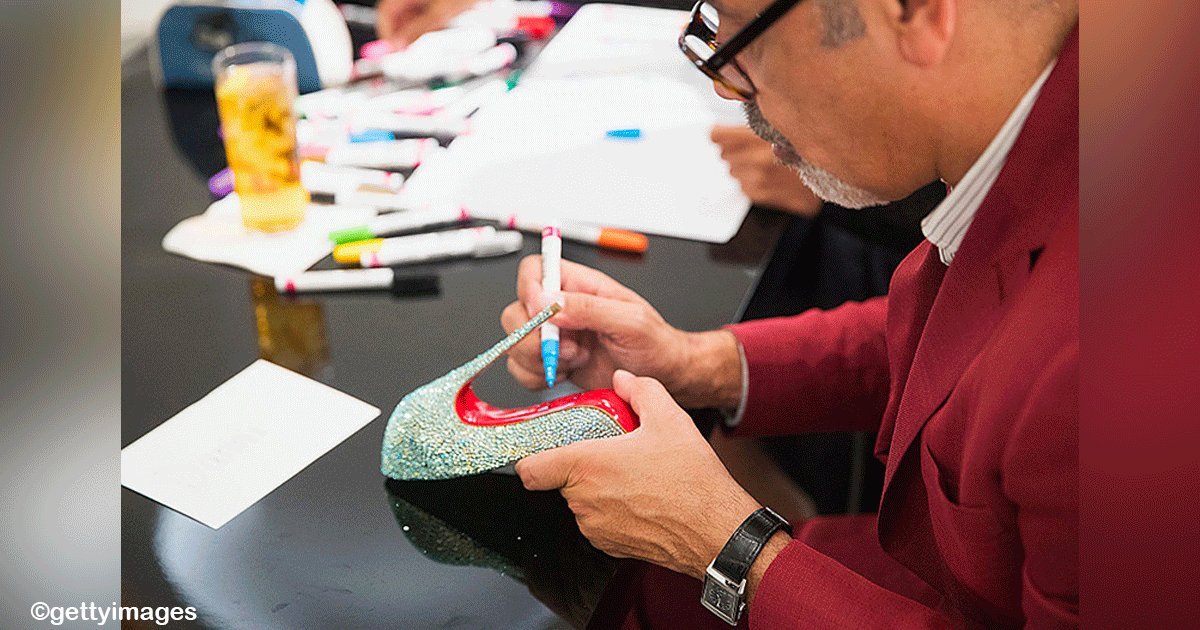 sin titulo 1 16.png?resize=412,232 - El diseñador Christian Louboutin convirtió la suela de los zapatos en un elemento estético importante para el vestuario