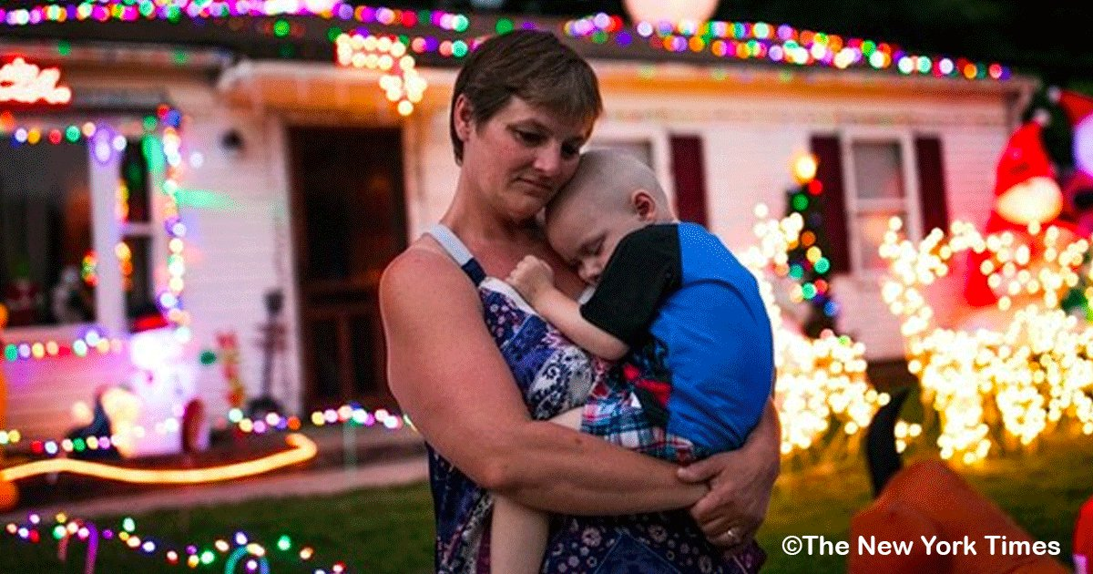 sin titulo 1 20.png?resize=300,169 - Le diagnosticaron cáncer cerebral cuando tenía 2 años, su familia adelantó la Navidad para que él pudiera celebrar