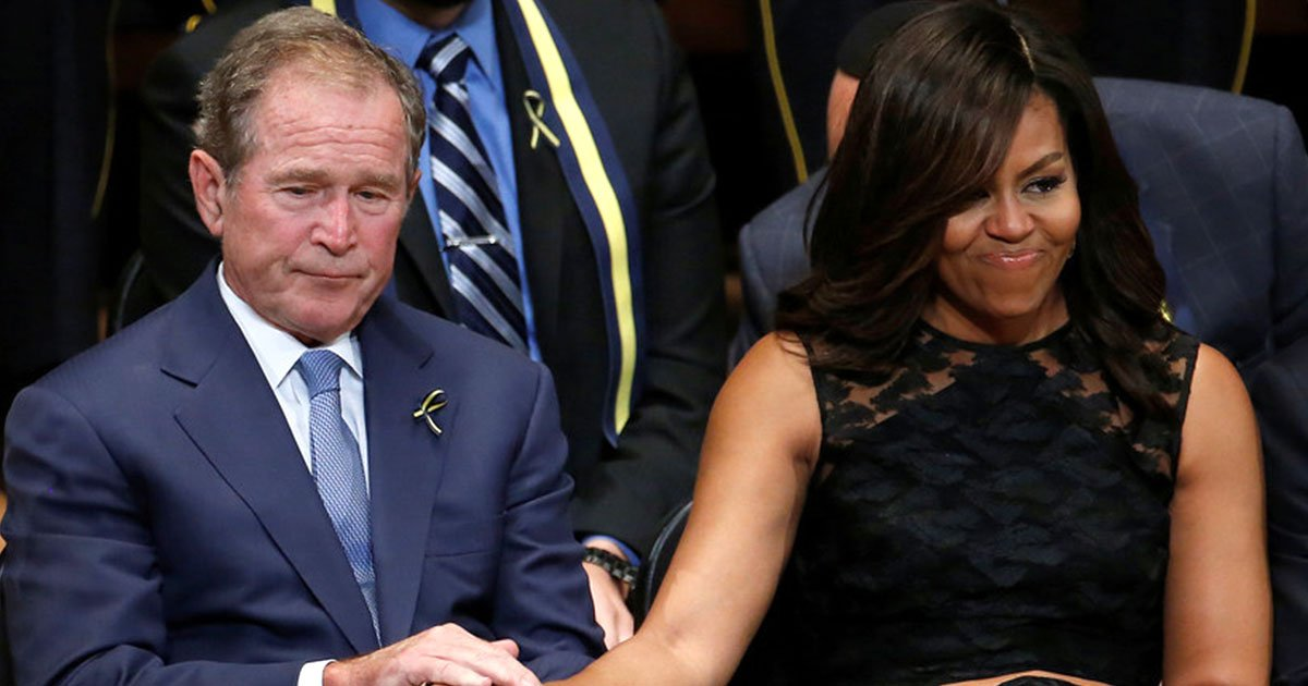 sweet gesture of george w bush passing candy to michelle obama at senator john mccains funeral caught on camera and internet is loving it.jpg?resize=636,358 - Sweet Gesture Of George W. Bush Passing Candy To Michelle Obama At Senator John McCain's Funeral Caught On Camera And Internet Is Loving It