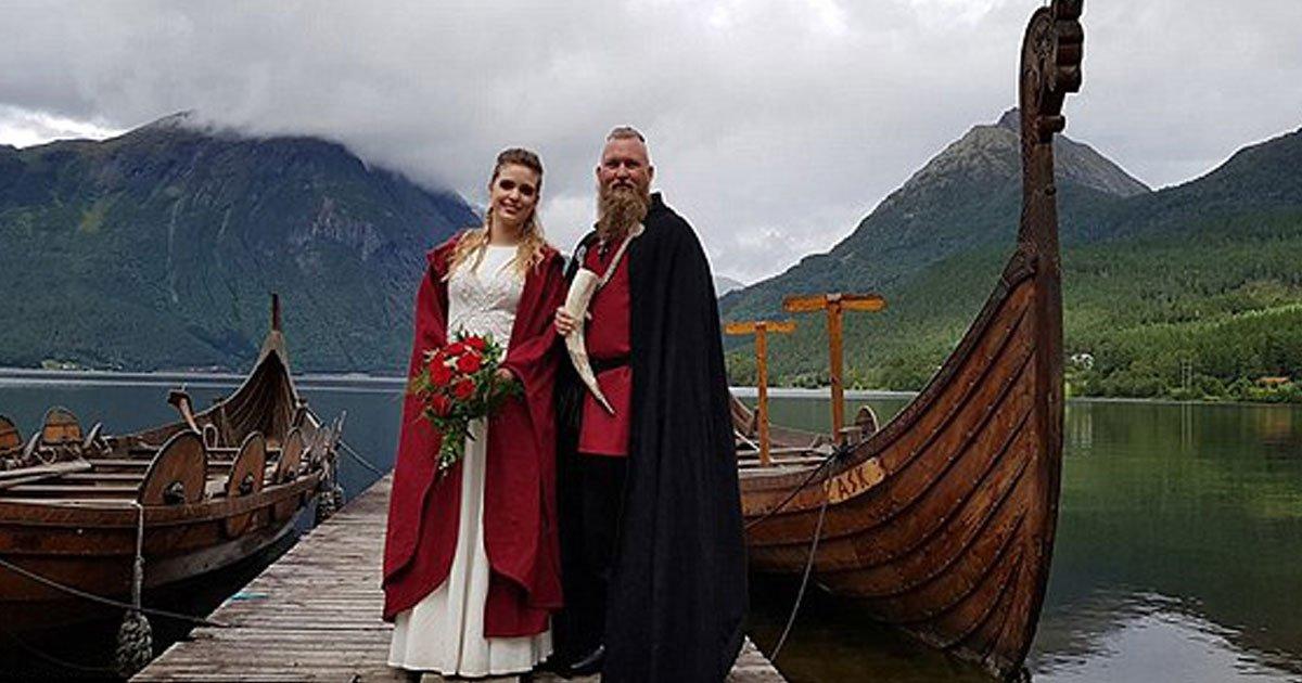 viking wedding.jpg?resize=1200,630 - Casal se casa em cerimônia viking inspirada no século 10, com direito à trajes típicos