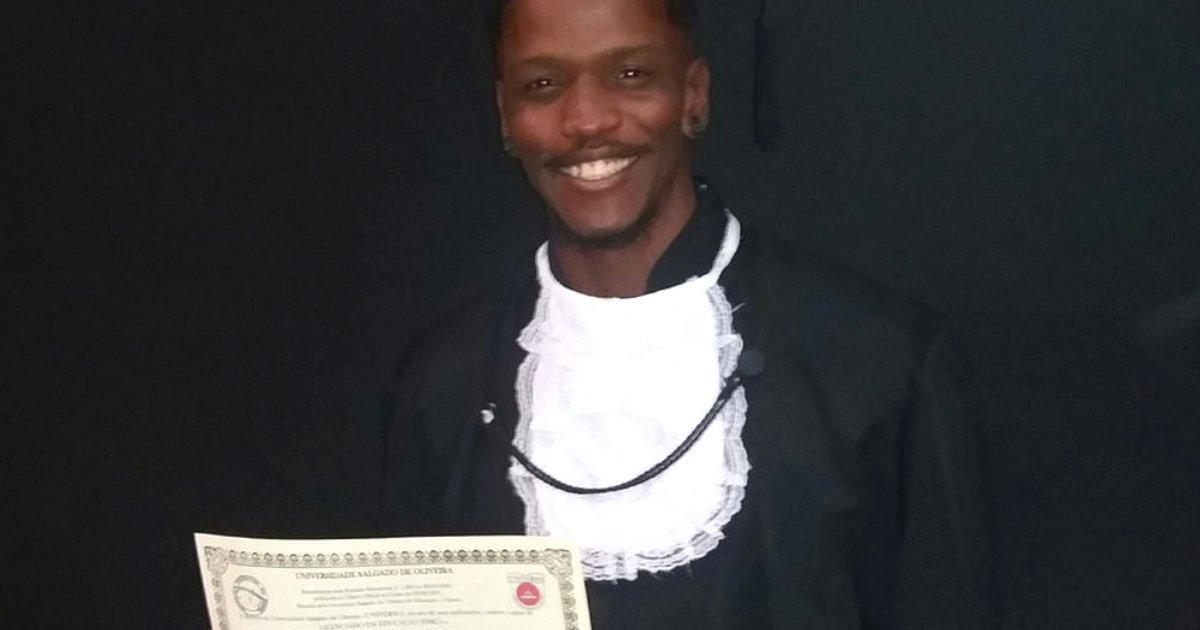 """vinicius.png?resize=636,358 - """"Filho, sobrinho e irmão de 3 traficantes mortos"""", jovem celebra diploma e viraliza"""