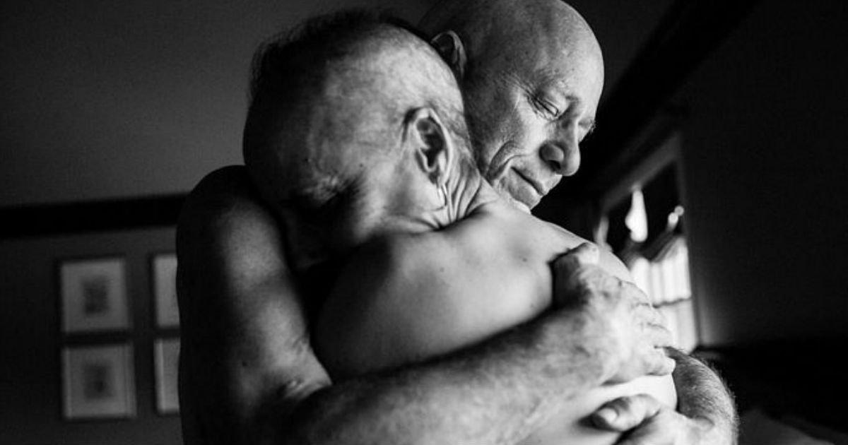 1 304.jpg?resize=412,232 - 「末期がん」闘病する妻をぎゅっと抱きしめてくれる余命宣告された夫