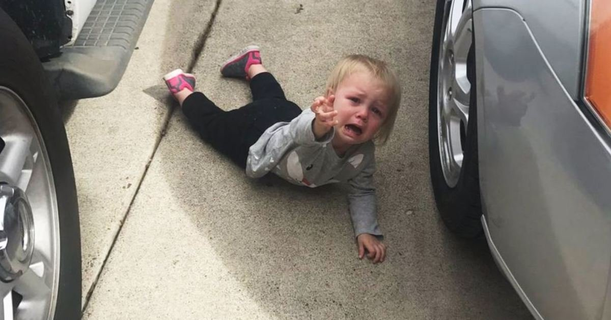 11 11.jpg?resize=1200,630 - 19 Parents Reveal the Hilarious Reasons Why Their Kid Is Crying