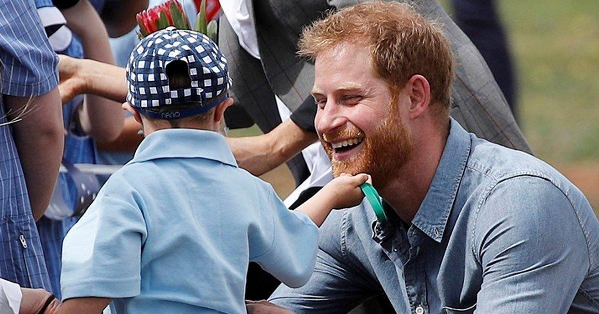 13 83.jpg?resize=1200,630 - 20 Pruebas de que el príncipe Harry será el mejor papá