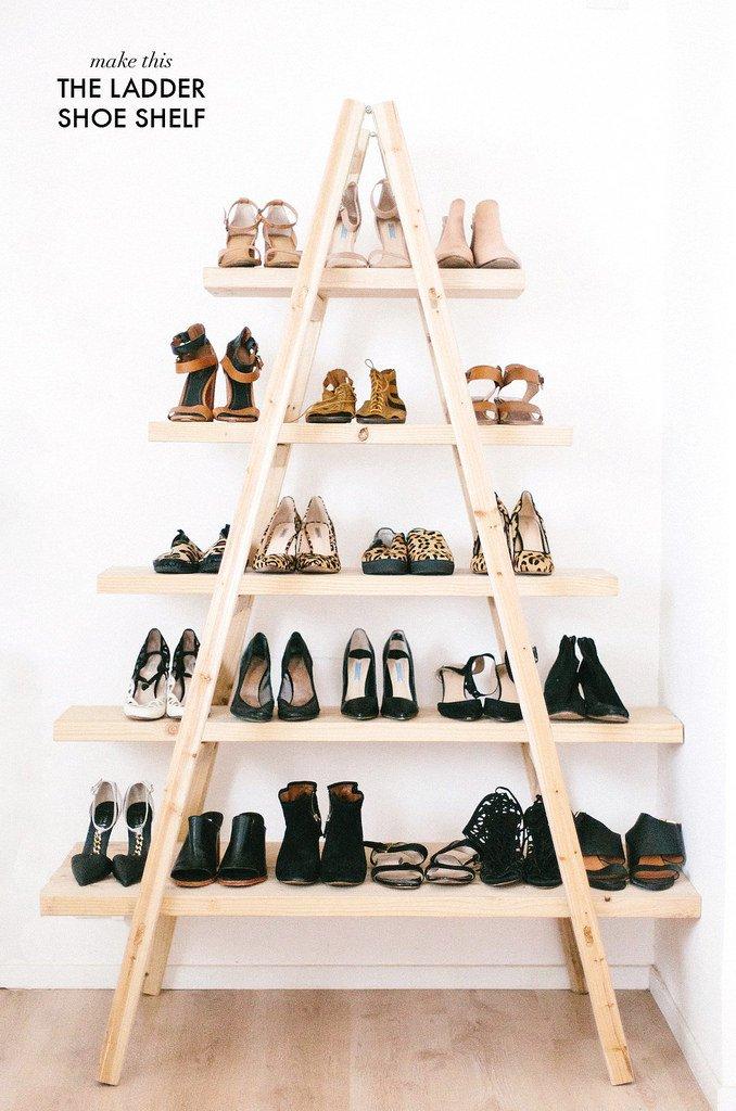 Esta idea totalmente DIY le dará a tu casa un look único. No solo permite que muestres tus zapatos de una forma artística, sino que decora la casa sin mucho esfuerzo.A Pair and a Spare comparte aquí el tutorial para este organizador de zapatos.