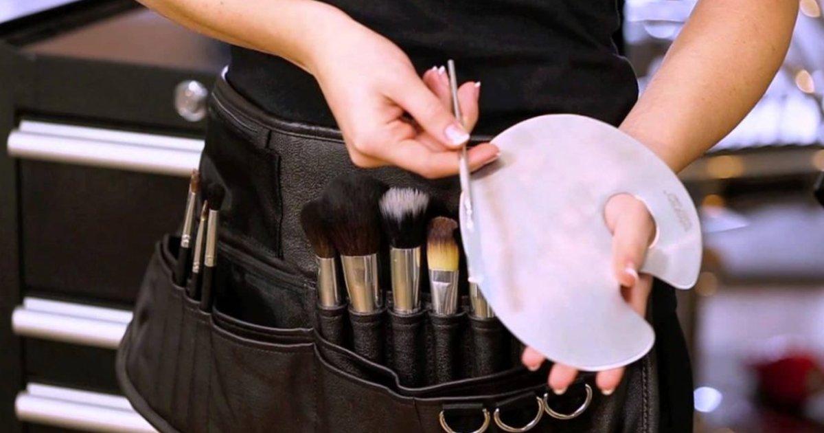 2 64.jpg?resize=1200,630 - 10 Trucos de maquilladores profesionales que resultarán útiles a cualquier mujer