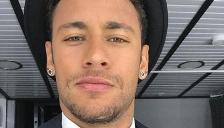 5b4239622beb3.jpeg?resize=1200,630 - Neymar aparece com novo visual em treino da seleção: Cabelos mais claros e topete!