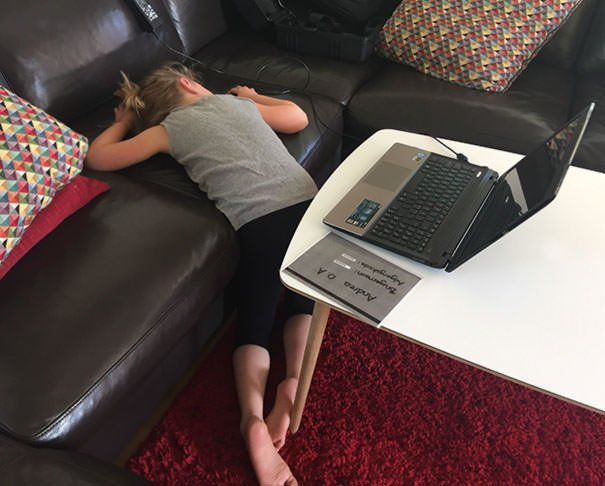 My Daughter Was Excited For Her First Computer Homework, But Then She Had Her First Experience With Windows Update Instead