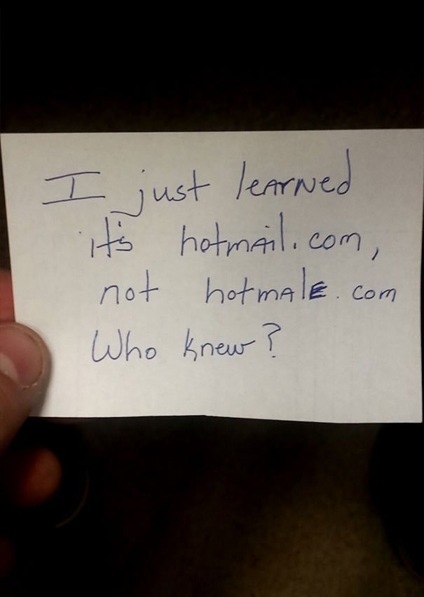 I Work In A Call Center And A Gay Coworker Handed Me This Note