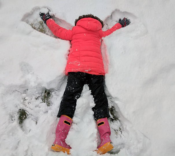 """Explained How To Make """"Snow Angels"""" To My Kids. Forgot One Important Detail"""