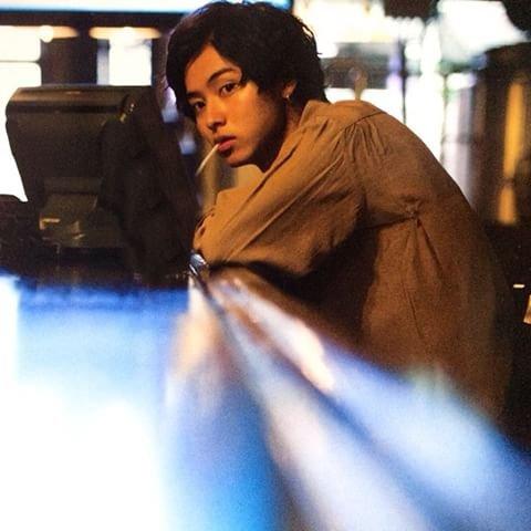 「山崎賢人 タバコ」の画像検索結果