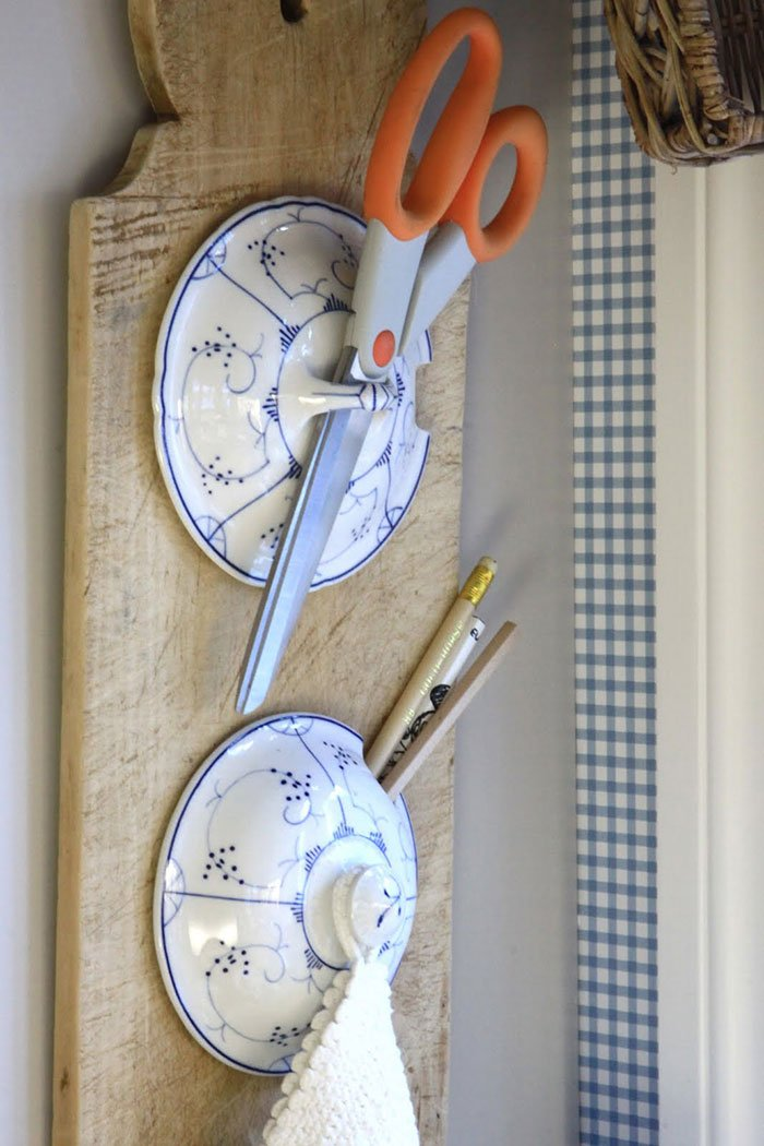 Smart Kitchen Idea With Pot Lids