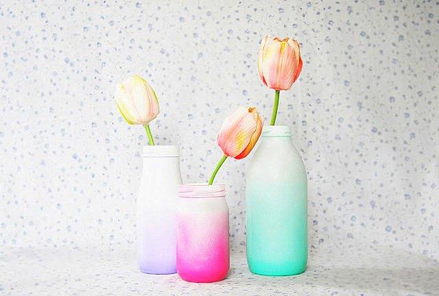 glass-bottle-ombre-vases
