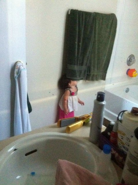 kids-hide-seek-23