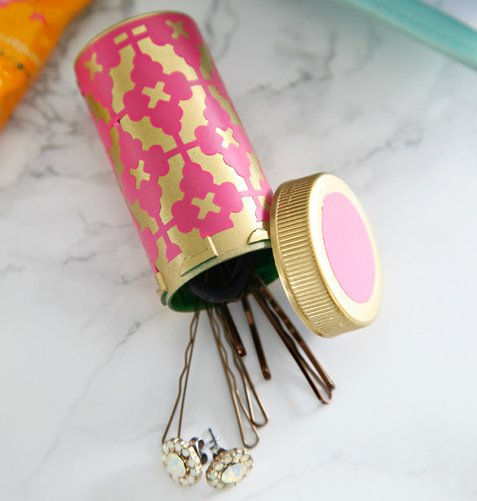 pill-bottle-jewelry