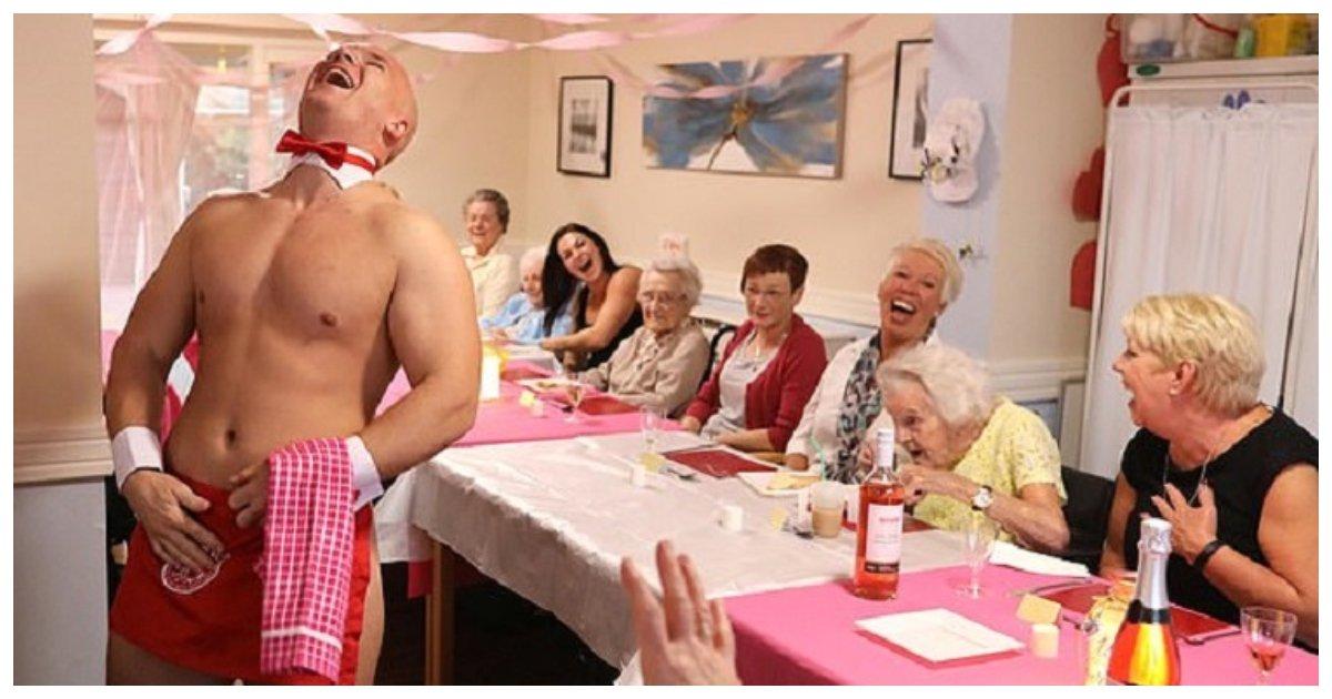 butler.jpg?resize=412,232 - Des majordomes nus réussissent à pimenter les choses pour les résidentes d'une maison de retraite au Royaume-Uni