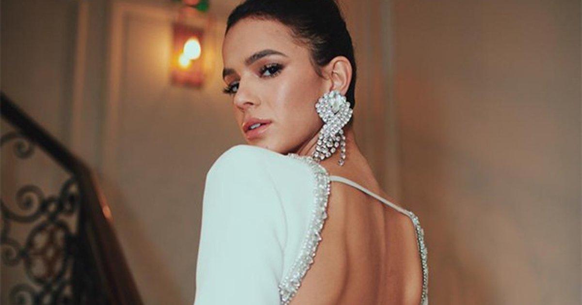 capajj.png?resize=1200,630 - Vestido elegante e SEXY de Bruna Marquezine rouba os holofotes em festa em Paris: Confira!