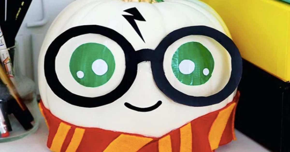 featured image 47.jpg?resize=300,169 - These Harry Potter-Themed Pumpkins Are The Cutest Halloween Decorations Ever