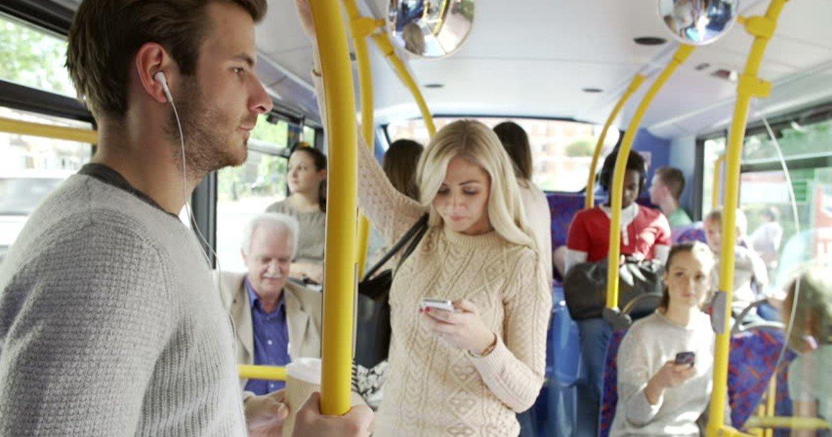 featured image 69.jpg?resize=300,169 - La réaction d'un adolescent envers une fille qui a ses règles dans le bus fera littéralement fondre votre cœur