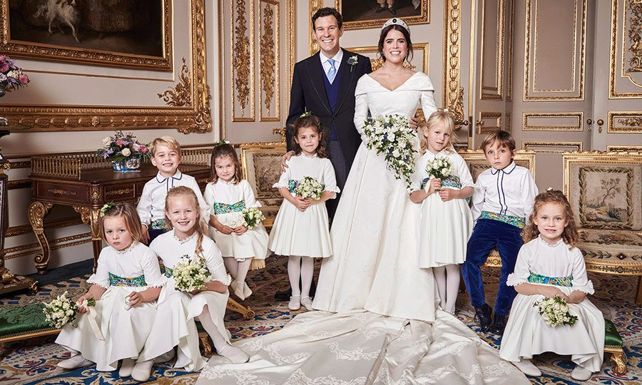 featured 5 3 1.jpg?resize=412,275 - Charlotte é uma FOFURA! Foto inédita do casamento da princesa Eugenie prova a doçura da princesinha
