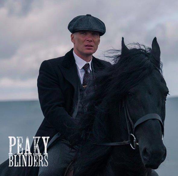 img 5bd333ea4ff16.png?resize=1200,630 - Que sait-on de la saison 5 de Peaky Blinders ?