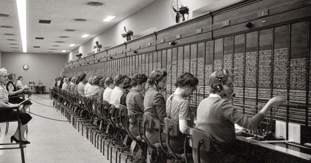 oficios.jpg?resize=412,275 - 13 Profesiones populares que desaparecieron para siempre