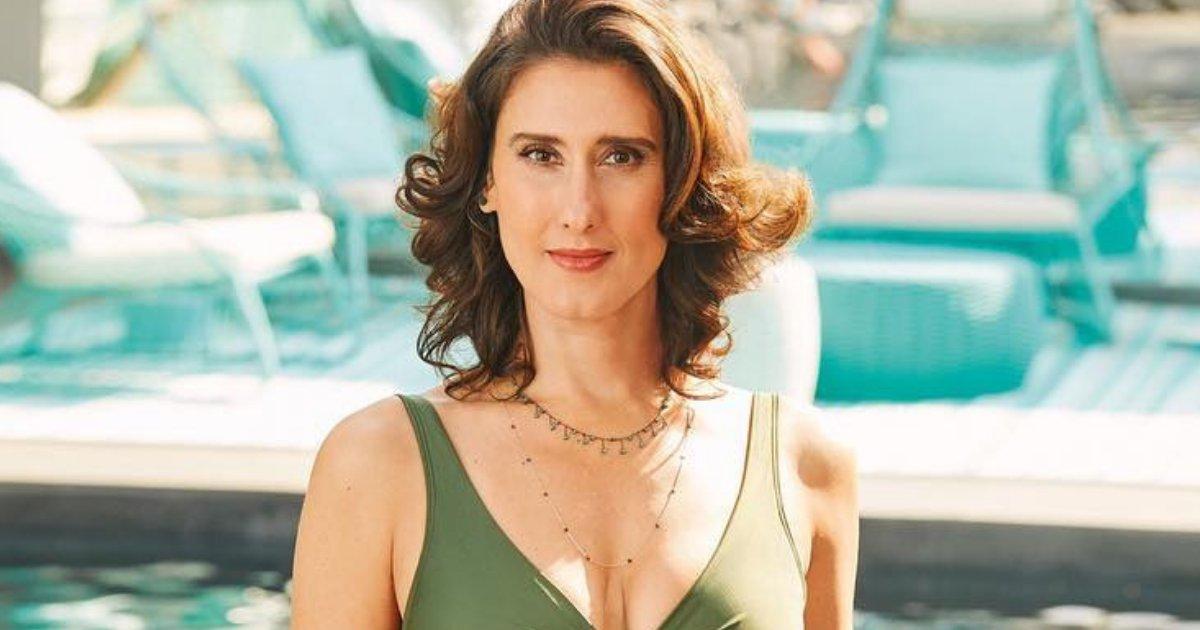 paolacarosella.png?resize=1200,630 - Aos 45 anos, Paola Carosella posa de maiô e faz desabafo inspirador
