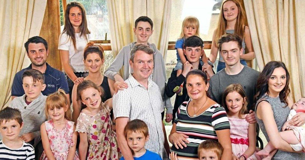 sdsd.jpg?resize=300,169 - La familia más grande de Gran Bretaña se hizo aún más grande: ¡los padres amorosos dieron la bienvenida al bebé № 20 y esperando a otro!