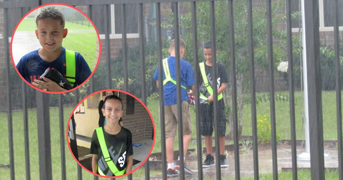 shivam4 2.png?resize=636,358 - School Boys Think No One's Keeping an Eye On them in Pouring Rain But Teacher Captures the Truth