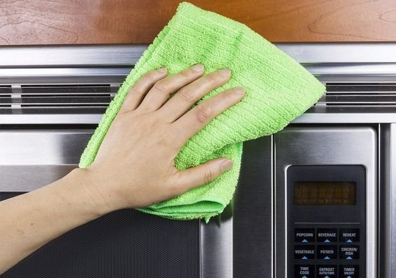 Stainless steel, aka 'where fingerprints have their vacation homes' is striking and modern – but when it's smudged it can be an eyesore. Let us give you a quick and simple primer on maintaining stainless steel. Best product to use for cleaning stainless steel? In order from least to most expensive: Water – surprisingly water will do a great job of wiping away most fingerprints and grime. Dish Soap – always on hand, and gets the job done. Rubbing alcohol – Tackles more stubborn residue, dri...