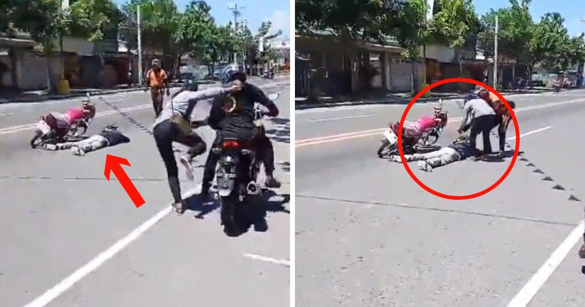 untitled design 82.png?resize=300,169 - Demande en mariage bizarre : un homme simule sa propre mort dans un accident de la route avant de sortir une bague