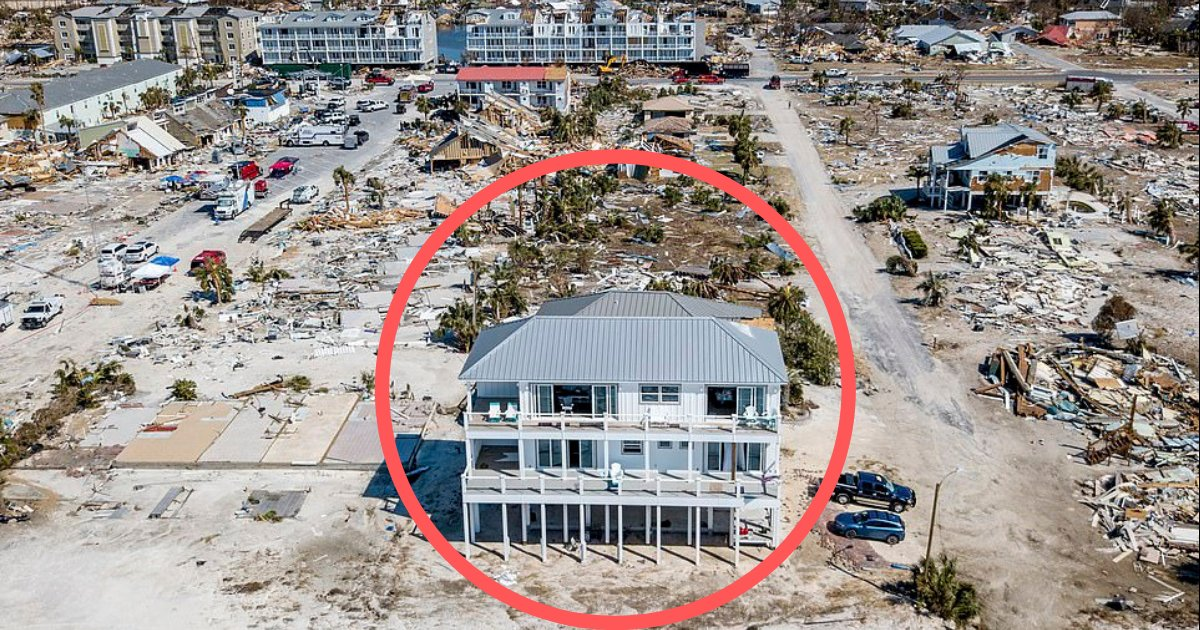yogesh4 9.png?resize=636,358 - After the Hurricane Michael, this house is still standing on the beach in Florida