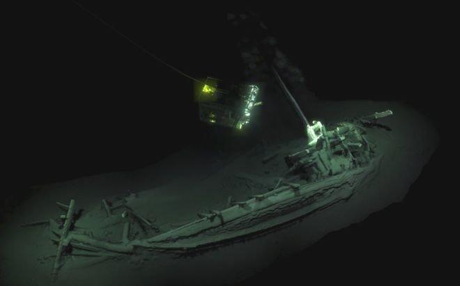 """103972641 ship.jpg?resize=1200,630 - L'épave trouvée en mer Noire est """"la plus ancienne épave intacte au monde""""."""
