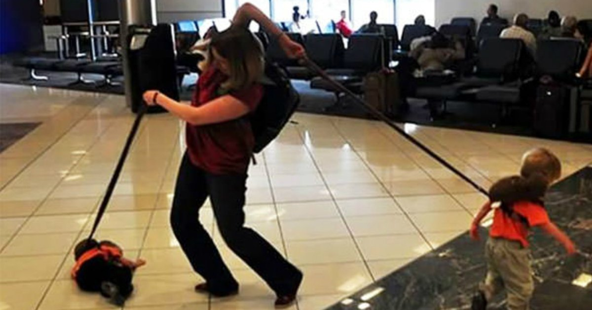 17 9.jpg?resize=1200,630 - 30+ Fuuny And Weirdest Situations That Happened At The Airport
