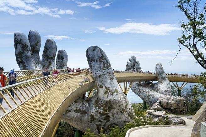 Resultado de imagen de Puente Dorado en Da Nang